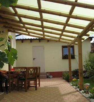 Terassen-Überdachung aus Bambus